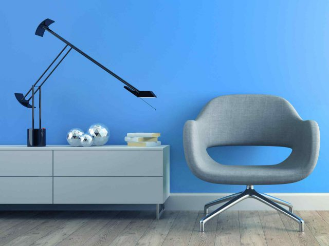http://www.viewartdecor.com/wp-content/uploads/2017/05/image-chair-blue-wall-640x480.jpg
